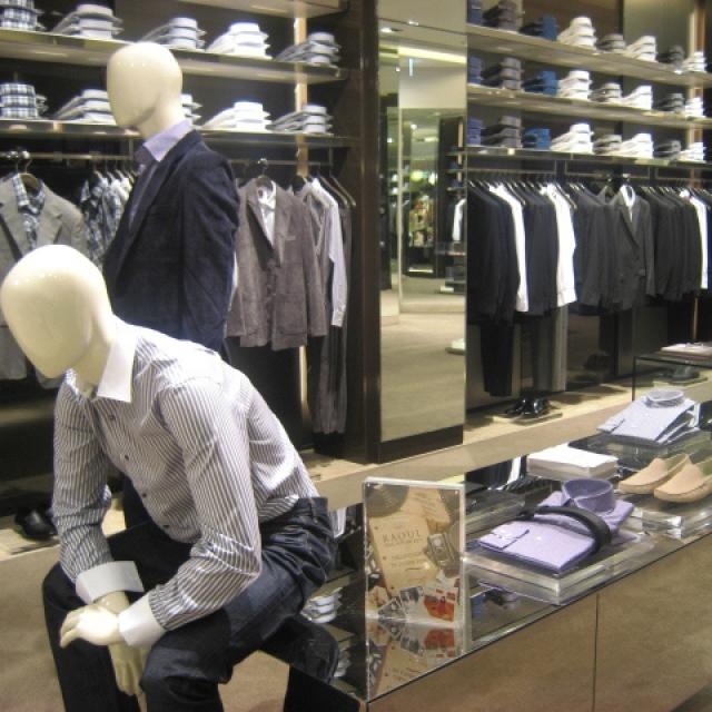 Retail-Display-mens-2